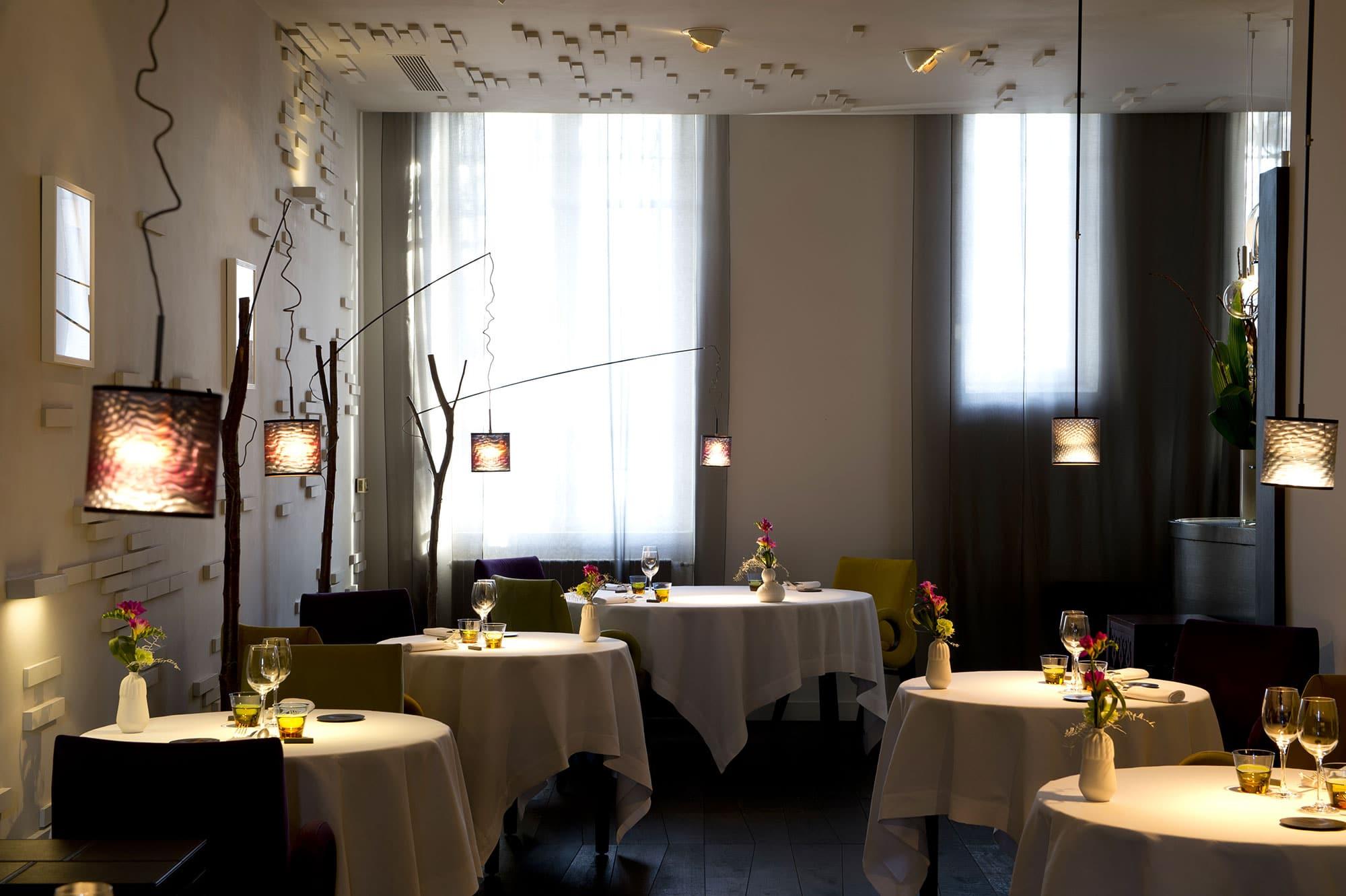 restaurant michel sarran les grandes tables du monde. Black Bedroom Furniture Sets. Home Design Ideas